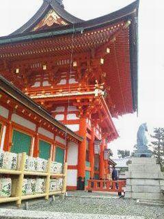 伏見稲荷大社・桜門